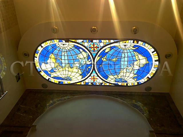 Витражные потолки, витражи на потолок (потолочные витражи). Витраж «Карта мореплавателя» над ванной