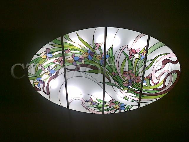 Витражные потолки, витражи на потолок (потолочные витражи). Витражный потолок «Полет цветов» с художественным освещением
