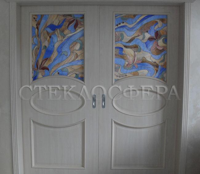 Стеклянные двери (с витражами), витражи для дверей на заказ в Москве. Дверь с витражными элементами