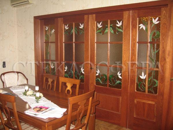 Стеклянные двери (с витражами), витражи для дверей на заказ в Москве. Классические двери с витражными вставками «Эдельвейс»