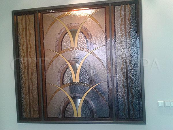 Оформление ниши, витраж в нишу, дизайн ниши в стене. Ниша с витражом «Ирисы»