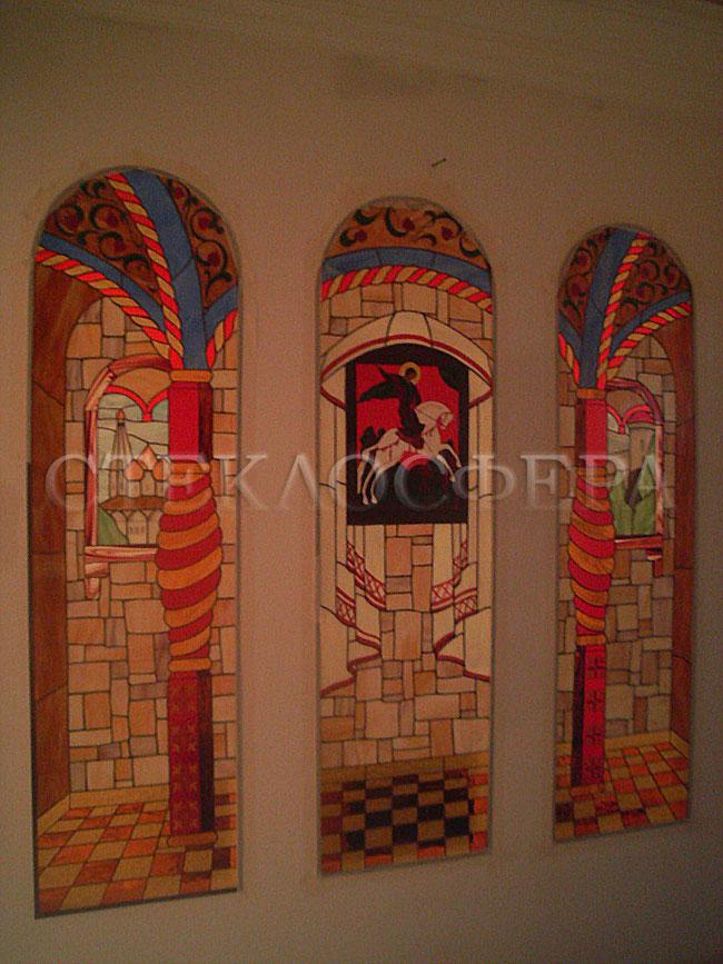 Оформление ниши, витраж в нишу, дизайн ниши в стене. Витражный триптих «Московская Русь»