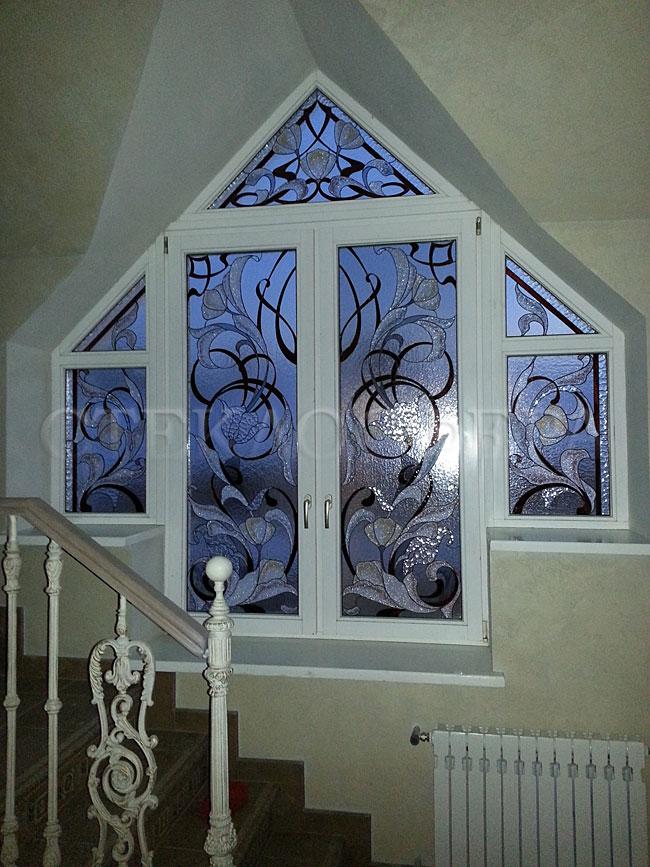 Витражи на окна. Купить витражные окна в Москве. Художественное стекло для витражных окон